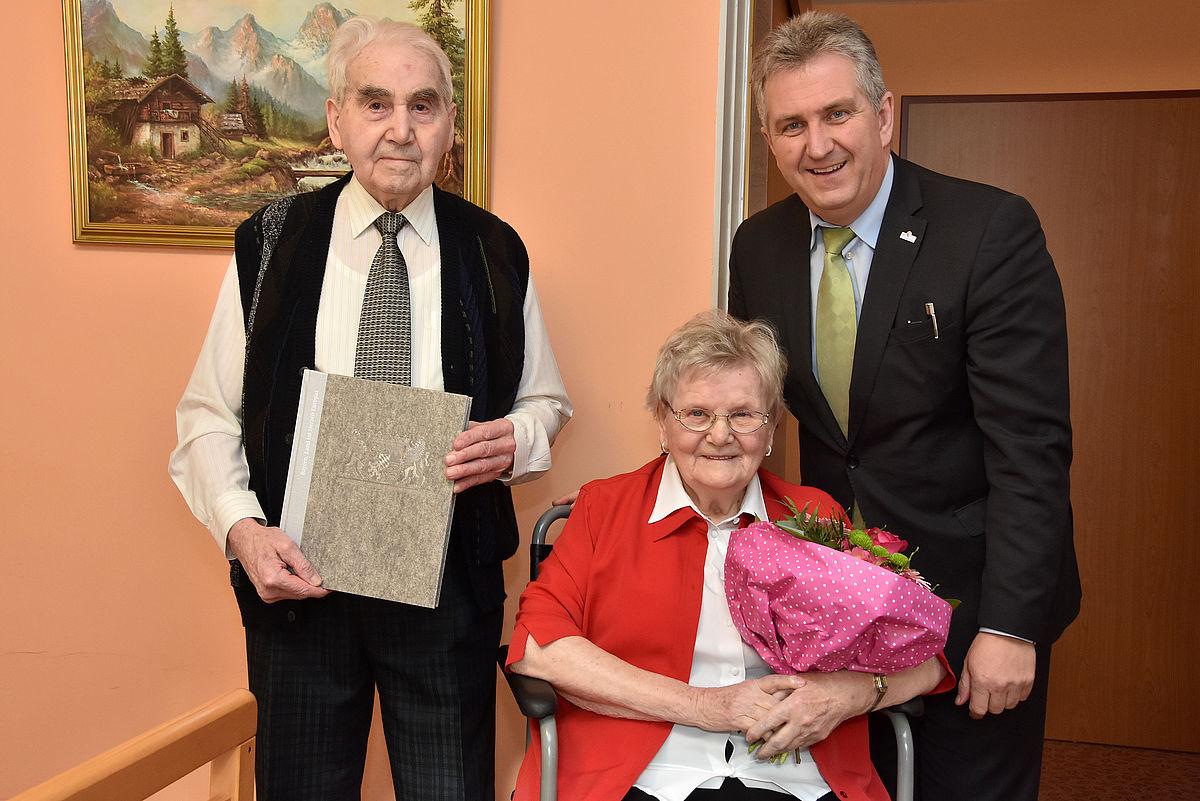 Stadt Stein – Seit 65 Jahren halten sie zusammen: Das Ehepaar Schiel ...