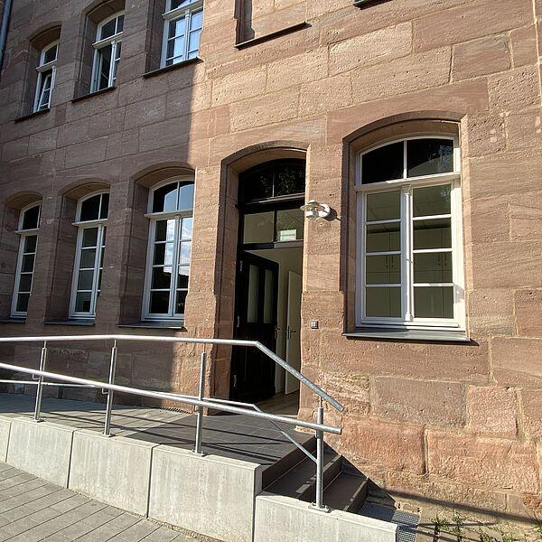 Der barrierefreie Eingang vom Haus der Begegnung